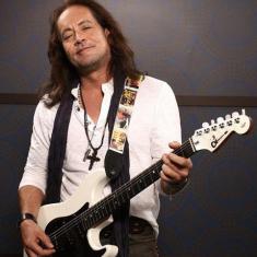 Бывший гитарист Оззи Осборна мог стать участником Motley Crue