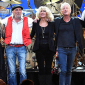 Линдси Бакингем подал в суд на коллег из Fleetwood Mac