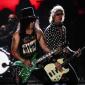 Guns N' Roses впервые за более чем 20 лет исполнили Locomotive на концерте